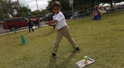 Fore! Aoy pre-kinder students get golf lesson
