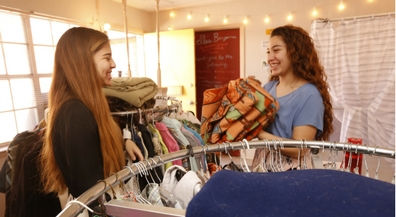 Burges twins set up thrift store for low-income students