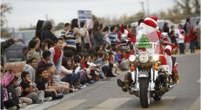 Bikers bring donated gifts to Chihuahuita students