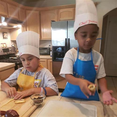 Kids in the Cocina