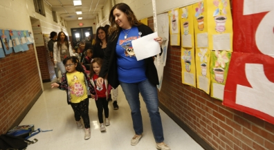 Becoming One: Students impacted by Rightsizing visit their new schools