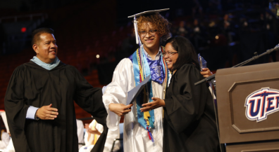 Bowie closes EPISD's 2019 graduation season