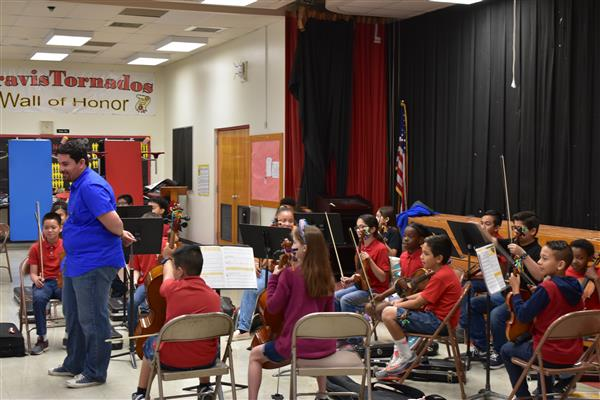 Travis Orchestra Performance